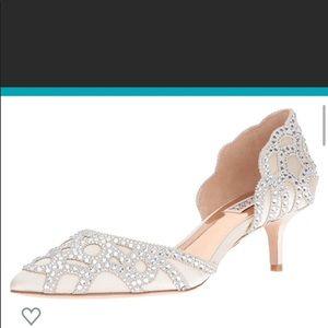 Badgley Mischka ivory Ginny low heel pumps